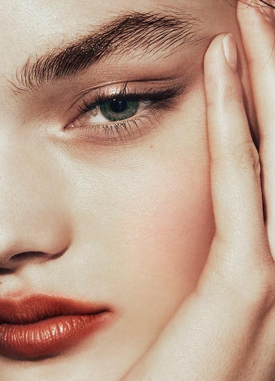 Tracey Mattingly - Artists - Makeup - Julie Harris - Editorial