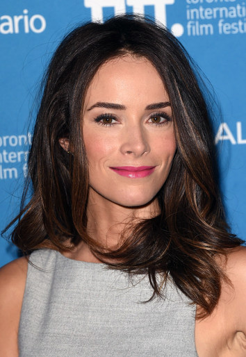 Abigail Spencer At The This Is Where I Leave You Press Conference With Makeup By Fabiola