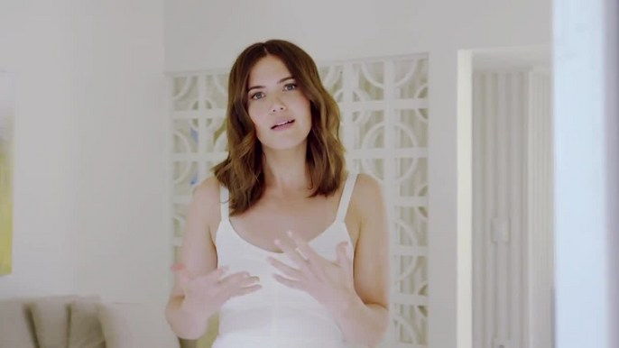 - Garnier Fructis | What's Changed ft. Mandy Moore